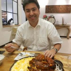 Iñigo Bejar | Indonesia | Enjoying local gastronomy | E&M Combustion