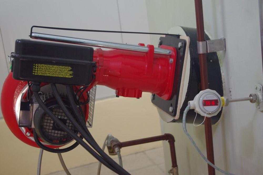 EM incineration burner and temperature probe - Mobile incineration furnaces - E&M Combustion